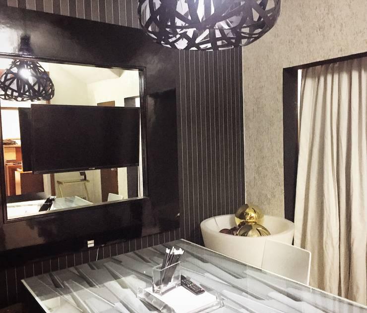 Deco designers Showroom: Oficinas y tiendas de estilo  por DECO designers