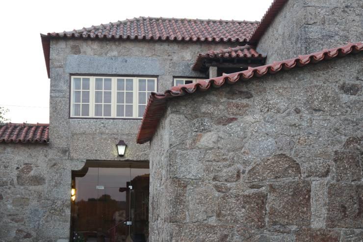 Casas rústicas por Valdemar Coutinho Arquitectos