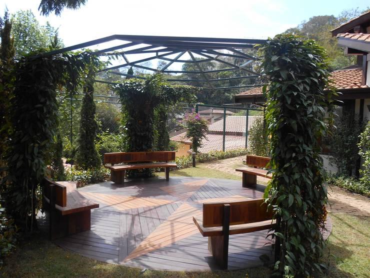 Jardin moderne par REJANE HEIDEN PAISAGISMO Moderne
