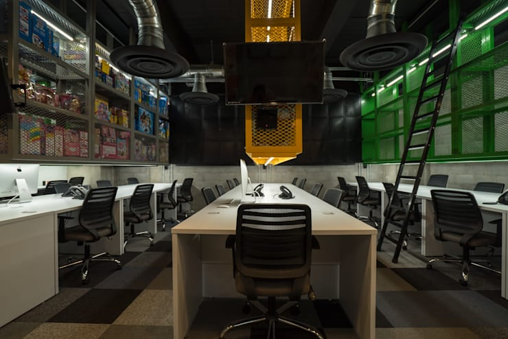 Offices & stores by HO arquitectura de interiores