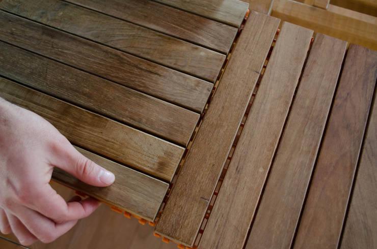 Piso en madera de Lenga.: Paredes de estilo  por Ignisterra