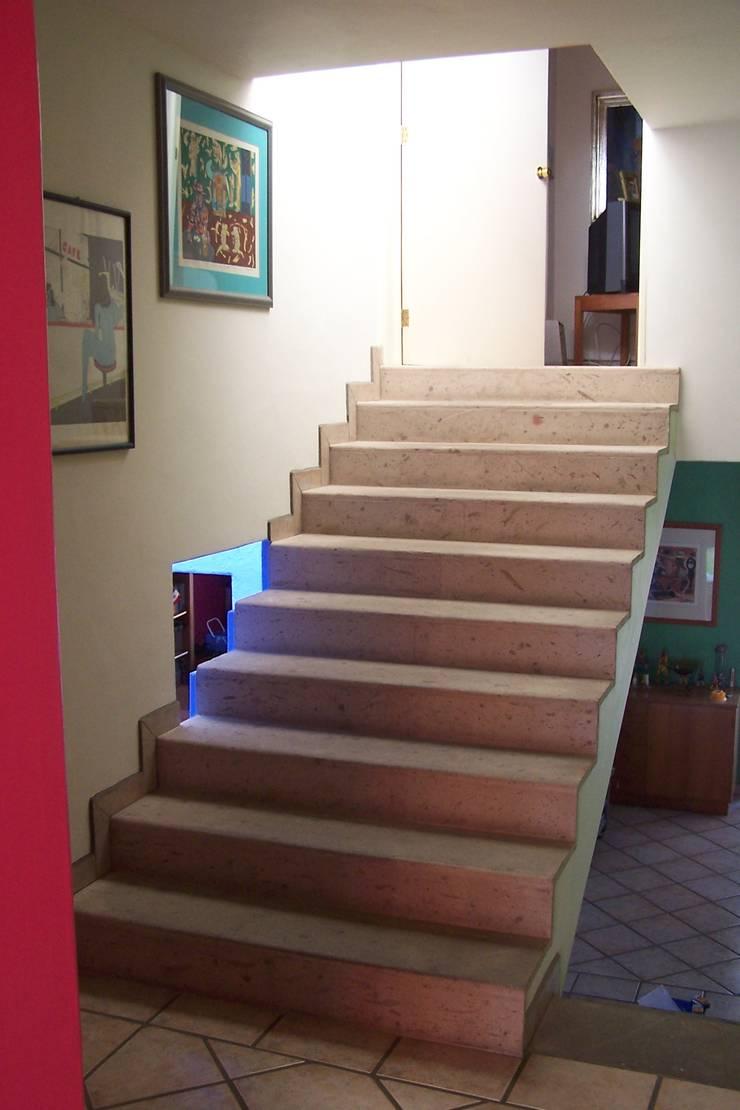 Casa Dos Paises: Pasillos y recibidores de estilo  por Bojorquez Arquitectos SA de CV