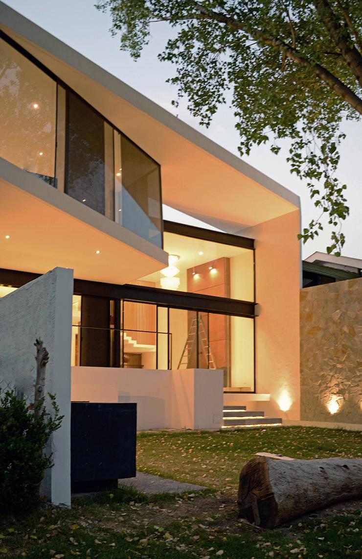 Häuser von BAG arquitectura, Modern Glas