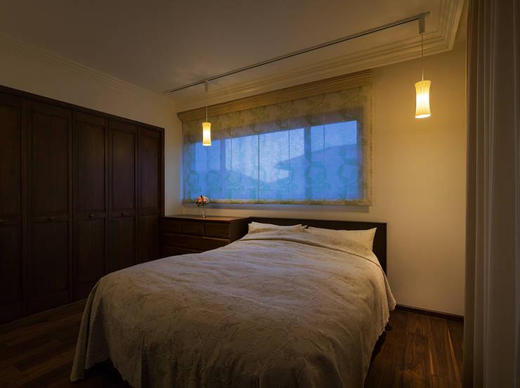 臥室 by 株式会社 SYN空間計画 一級建築事務所