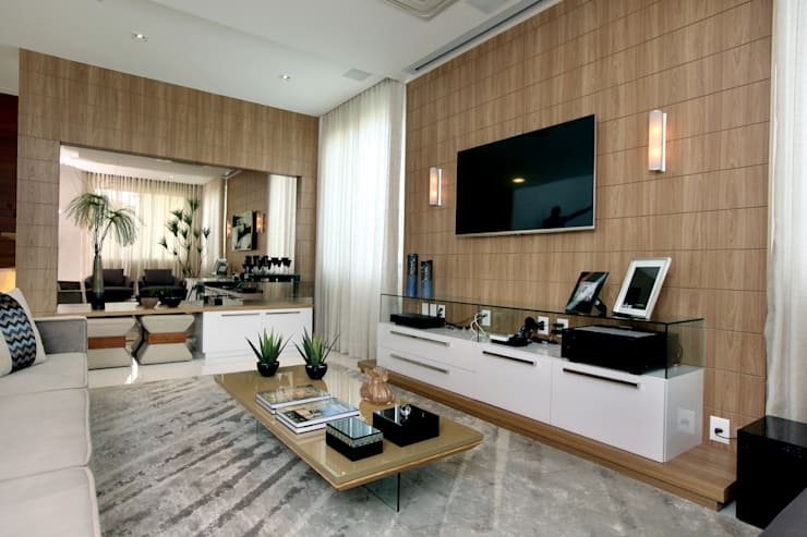 Salones de estilo moderno de Eveline Sampaio Arquiteta e Designer de Interiores Moderno Tablero DM