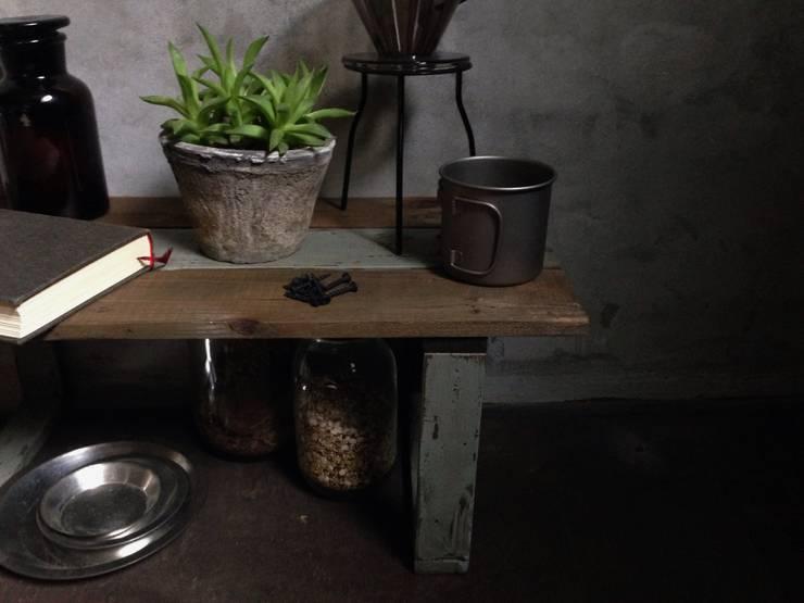 Append Shelf: calimaが手掛けたリビングルームです。