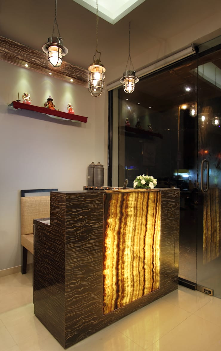 Restaurant Reception Area:  Hotels by SS Designs