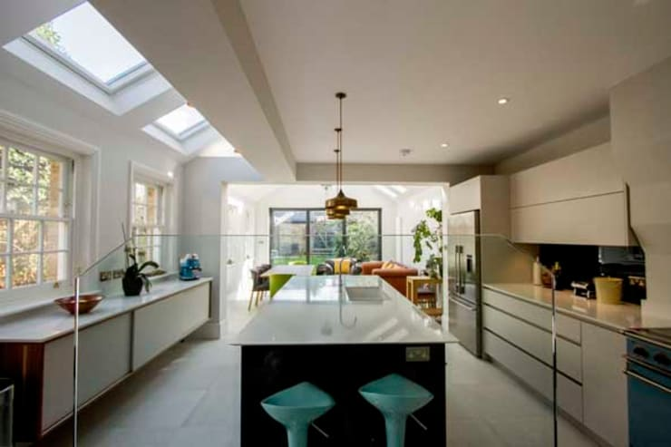 Kitchen Extension, East Molesey:  Kitchen by Cube Lofts