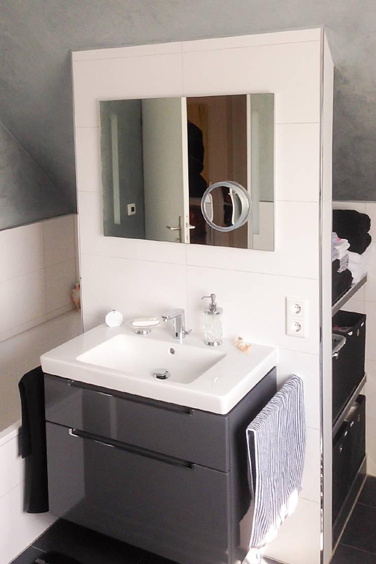 Kleines Badezimmer unter dem Dach von Banovo GmbH | homify
