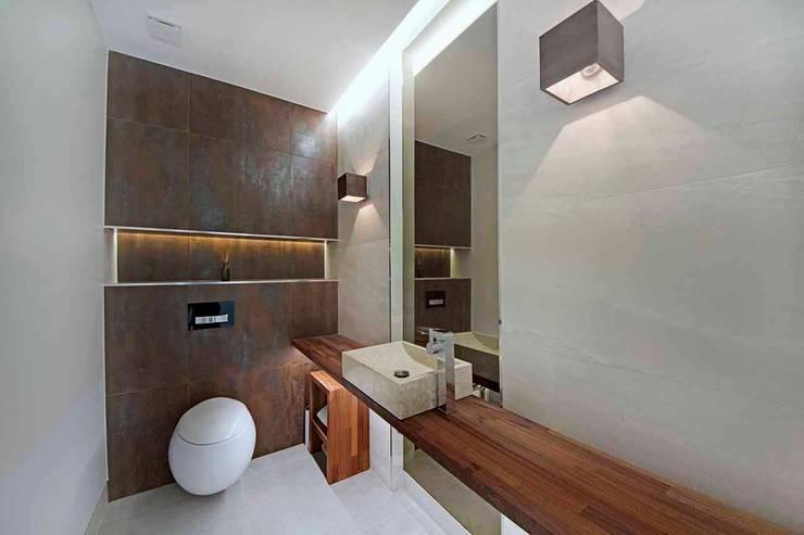 Hadley Wood—North London Modern bathroom by New Images Architects Modern