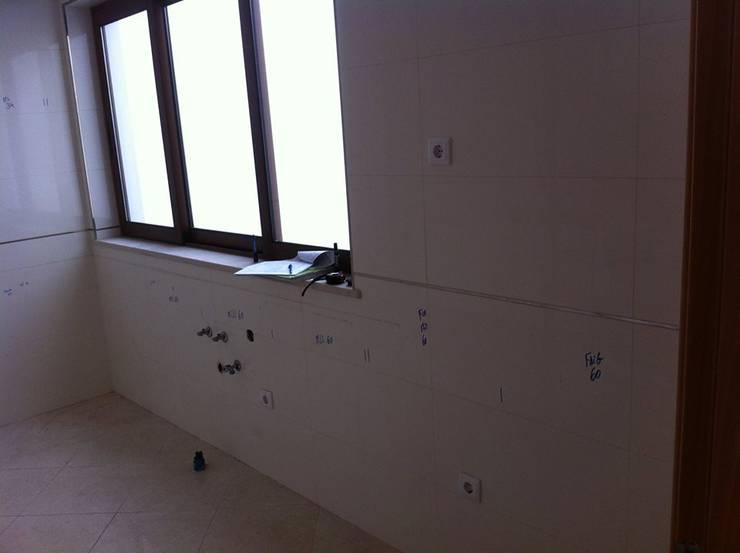 Espaço para colocação de nova cozinha:   por Ansidecor