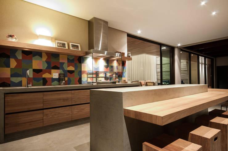 Casas de estilo  por Elisa Vasconcelos Arquitetura  Interiores
