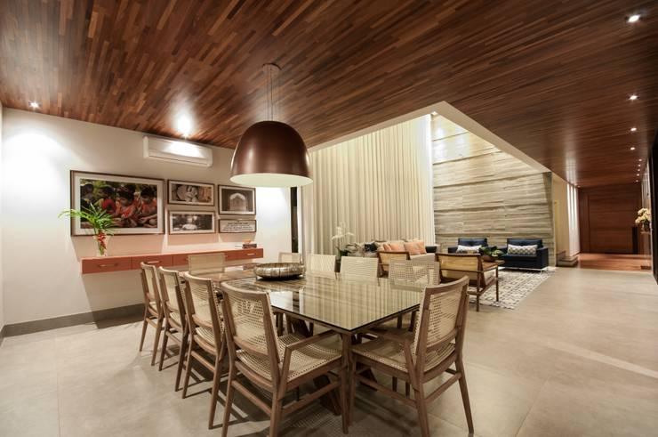 Comedores de estilo  por Elisa Vasconcelos Arquitetura  Interiores