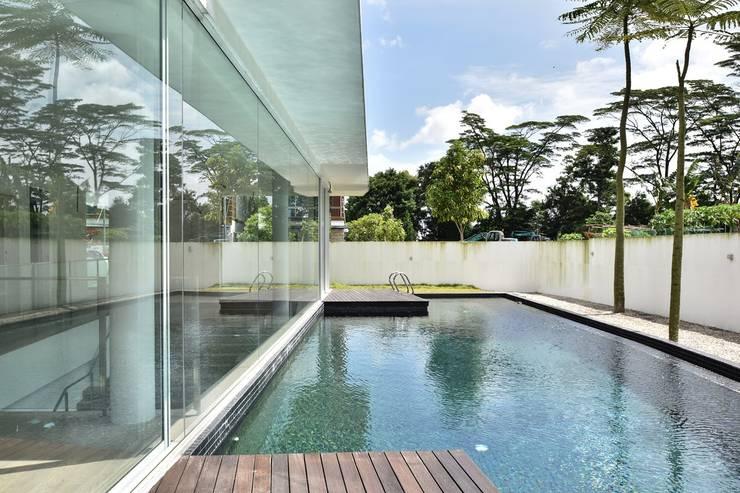 Garden Pool by Sen's Photographyたてもの写真工房すえひろ, Modern