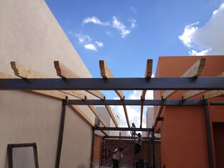 Projekty,   zaprojektowane przez Grupo Puente Arquitectos.com