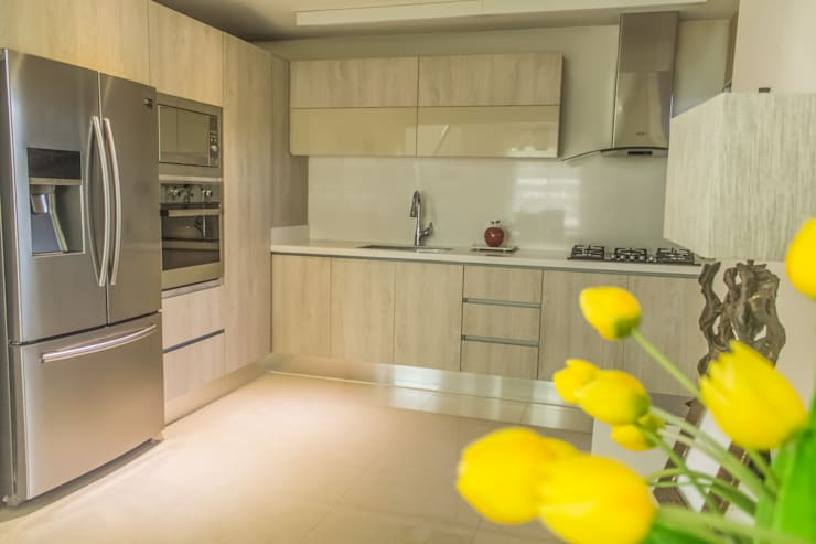 Proyecto Cocina: Cocinas de estilo moderno por Monica Saravia