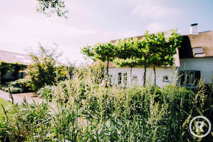 Landelijke tuin Dussen:  Tuin door De Rooy Hoveniers