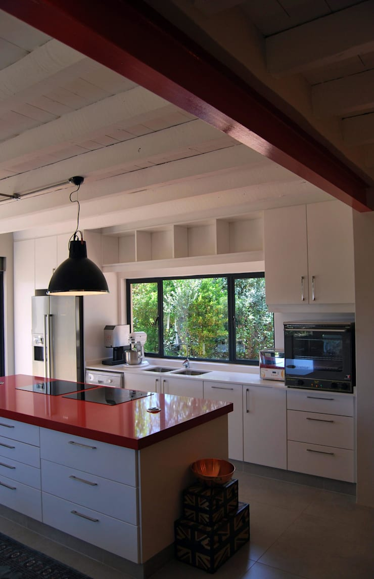 Project : Jason Black:  Kitchen by Capital Kitchens cc, Modern MDF