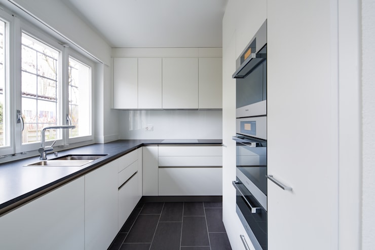 Projekty,  Kuchnia zaprojektowane przez Beat Nievergelt GmbH Architekt