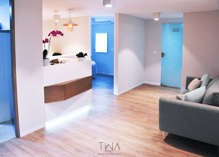 Clínica de Medicina Estética: Clínicas / Consultorios Médicos de estilo  por TW/A Architectural Group