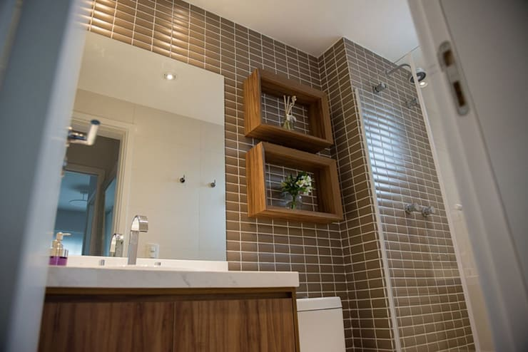 modern Bathroom by Moussi Arquitetura