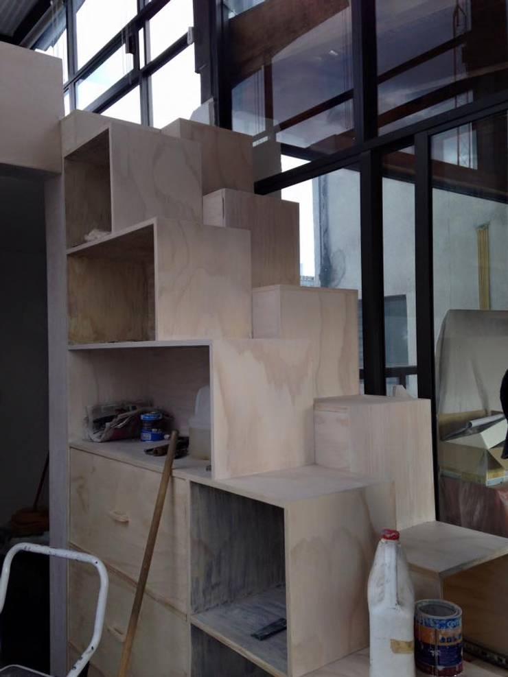 Entintado madera : Estudios y oficinas de estilo  por L&G Arquitectos
