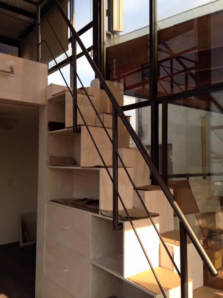 Instalación de Barandal de perfil tubular: Estudios y oficinas de estilo  por L&G Arquitectos
