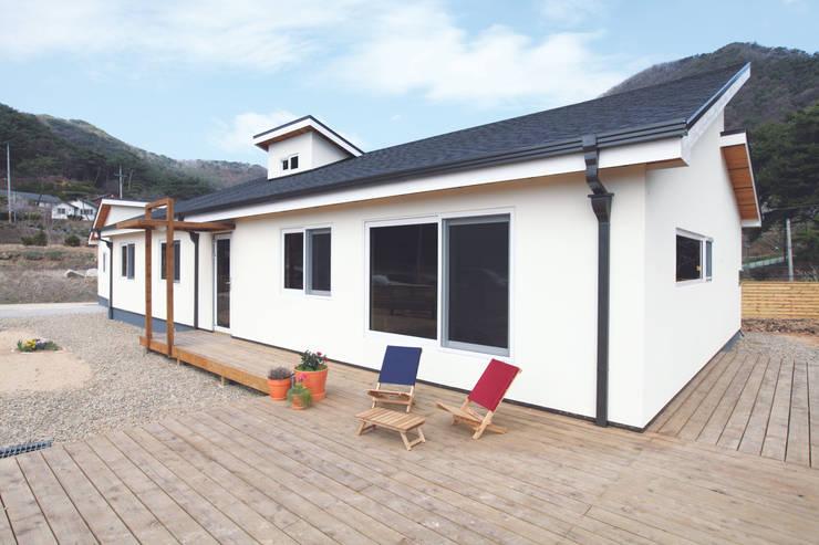 Rumah by 춘건축