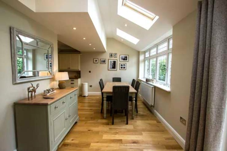 Extension, Loft Conversion & Complete Refurbishment – Kingston:  Kitchen by Cube Lofts