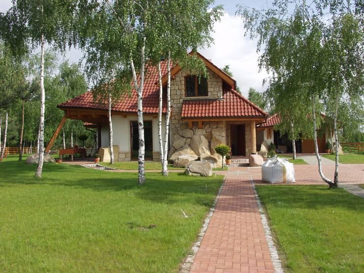 Dom Kazia II G2 - niebanalny, idealny! : styl , w kategorii Domy zaprojektowany przez Pracownia Projektowa ARCHIPELAG