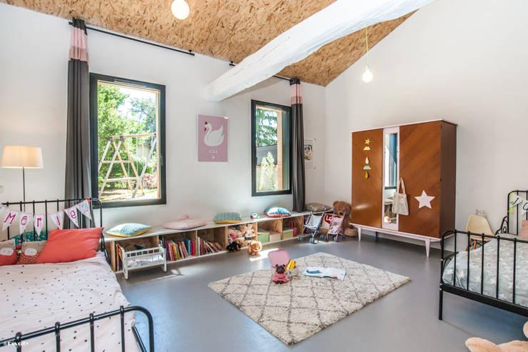 chambre d'enfant: Chambre d'enfants de style  par Pixcity