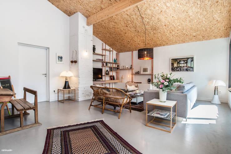 Living room by Pixcity