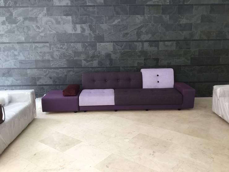 Apto. La Lagunita:  de estilo  por THE muebles