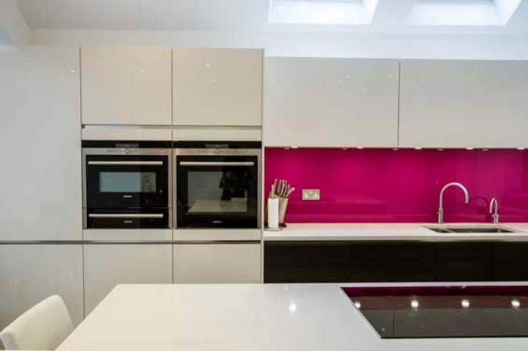 Kitchen Extension – Teddington:  Kitchen by Cube Lofts
