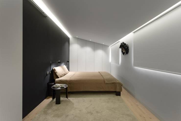 Chambre de style  par PAULO MARTINS ARQ&DESIGN
