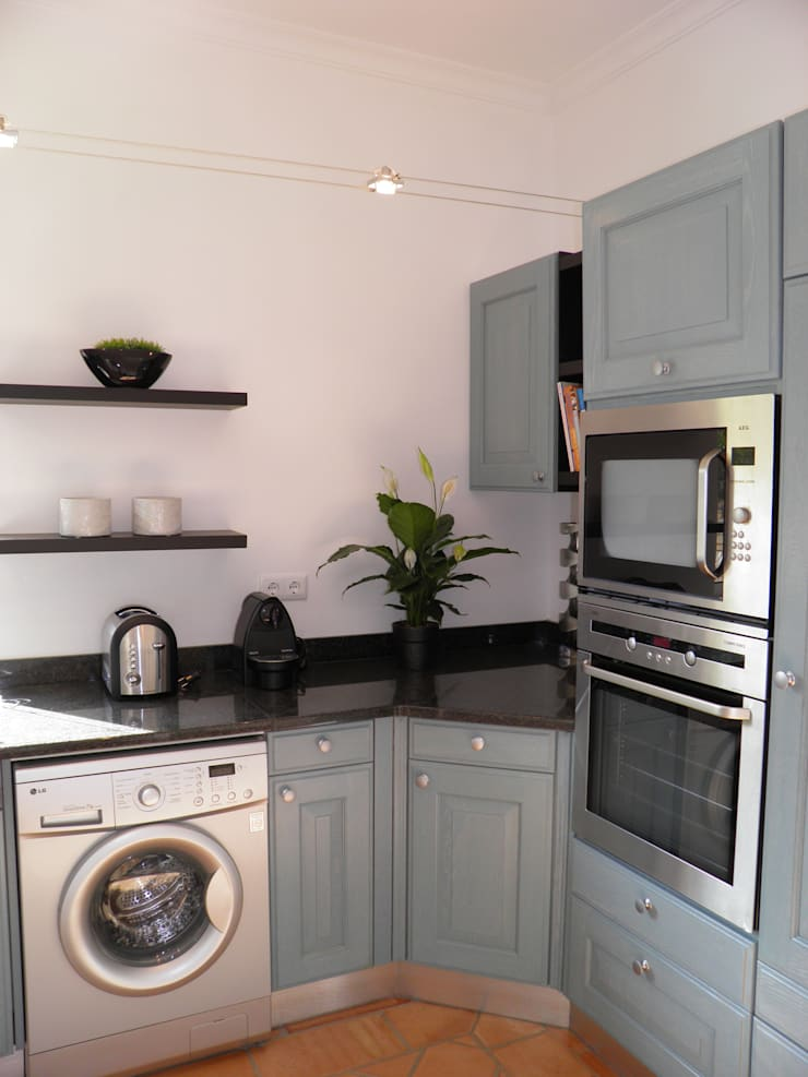 Kitchen: Cozinhas  por Pure Allure Interior