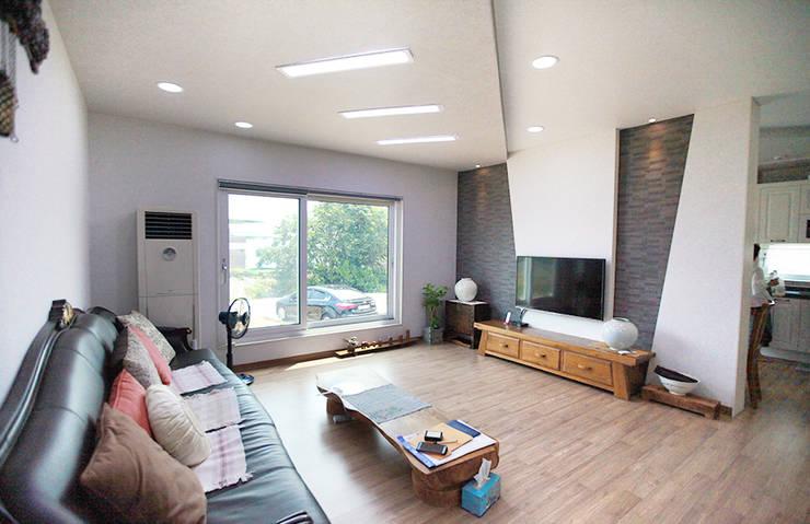 Salas de estilo  por 지성하우징