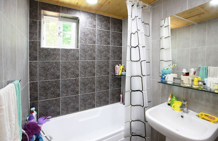 classic Bathroom by 지성하우징