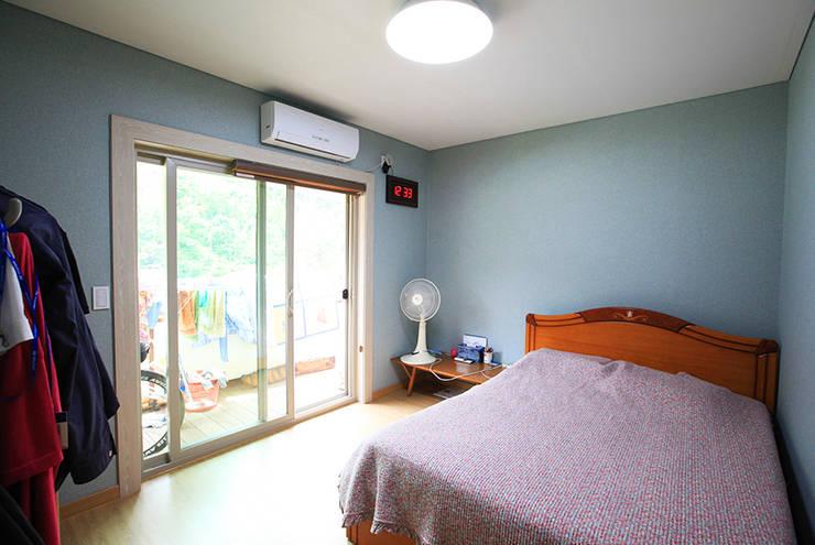 mediterranean Bedroom by 지성하우징