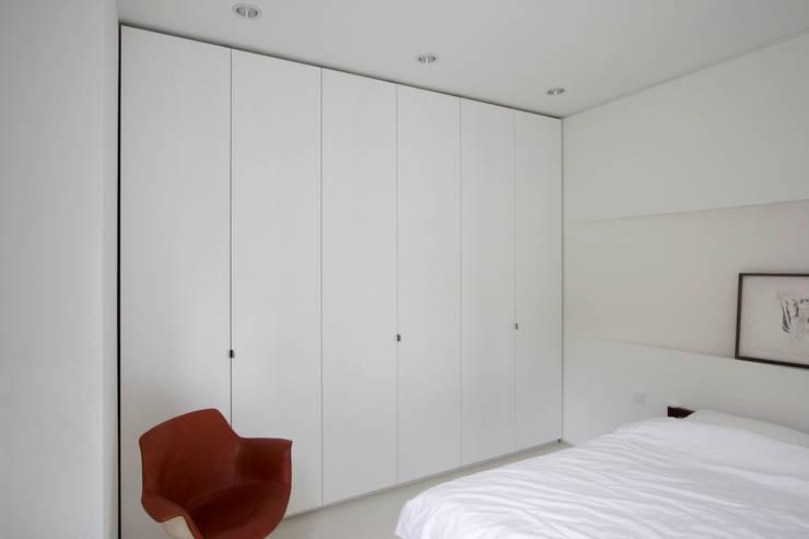 Projekty,  Sypialnia zaprojektowane przez Rotbunt