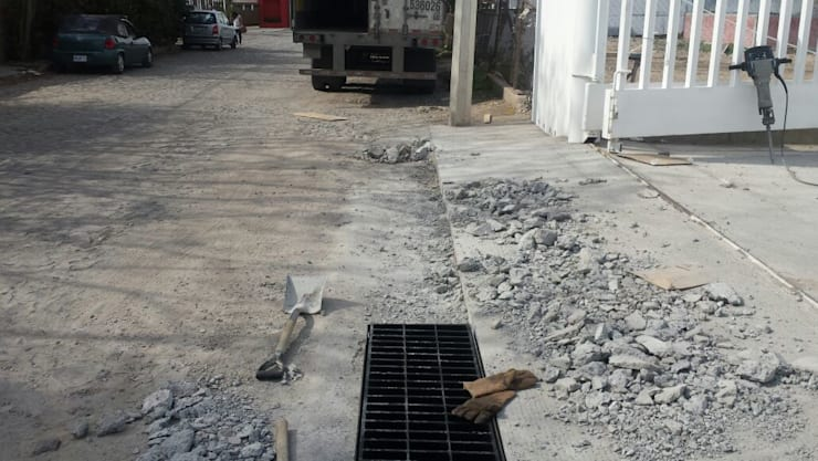 Mantenimiento industrial, ampliación y remodelación de oficinas:  de estilo  por Grupo Puente Arquitectos.com