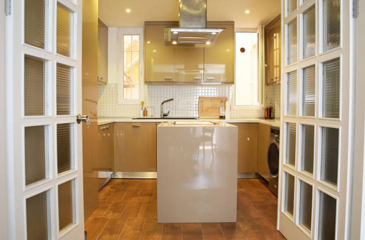 modern Kitchen by Aykuthall Architectural Interiors