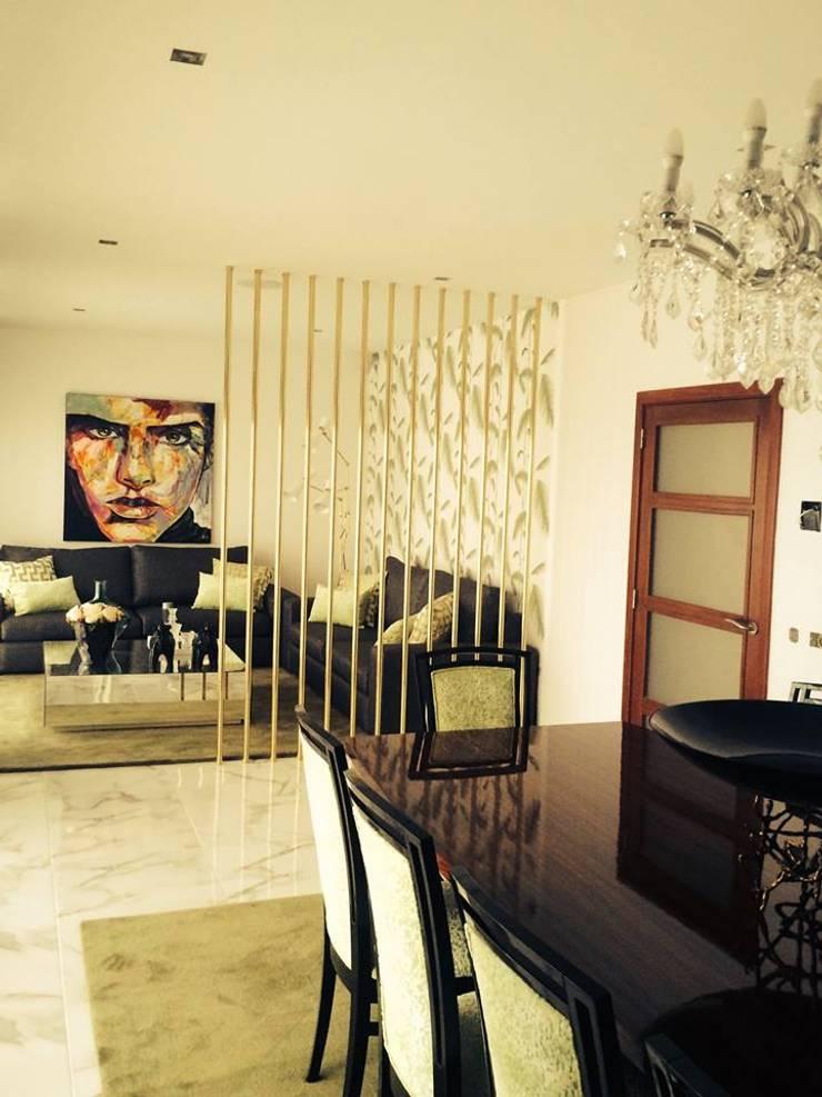Moradia em Luanda: Salas de jantar  por Lili Miranda-Designer de Interiores