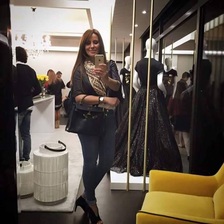 She By Micaela Oliveira: Escritórios e Espaços de trabalho  por Lili Miranda-Designer de Interiores