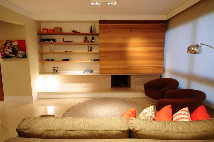 Salas / recibidores de estilo  por João Linck | Arquitetura, Moderno