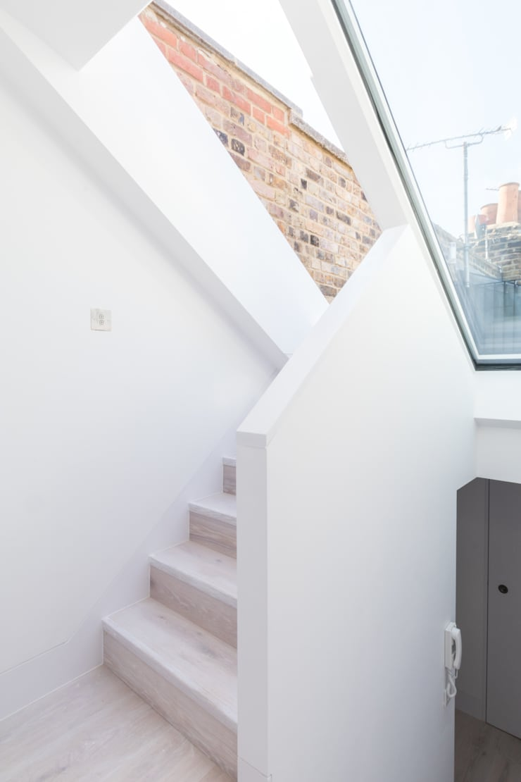Modern flat – Loft Extension and Renovation, Fulham, SW6 Modern Corridor, Hallway and Staircase by TOTUS Modern