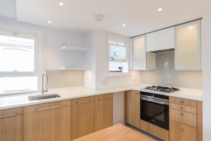 Modern flat – Loft Extension and Renovation, Fulham, SW6: modern Kitchen by TOTUS