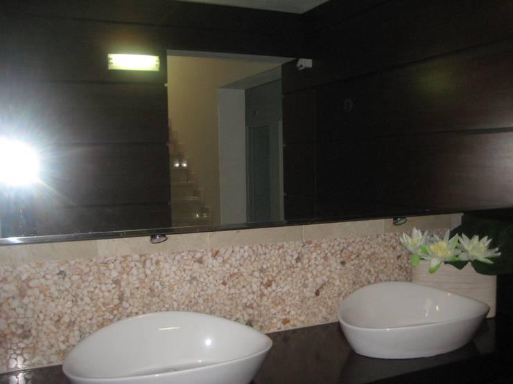 Restaurante Charrubinha .Algarve 2011: Espaços de restauração  por Atelier  Ana Leonor Rocha