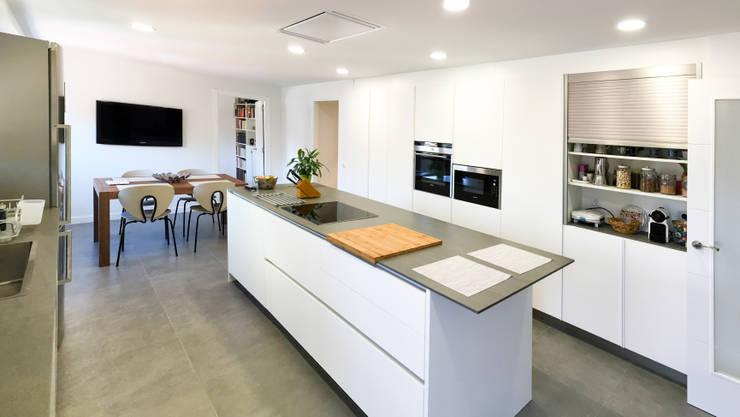 Cuisine de style  par arqubo arquitectos
