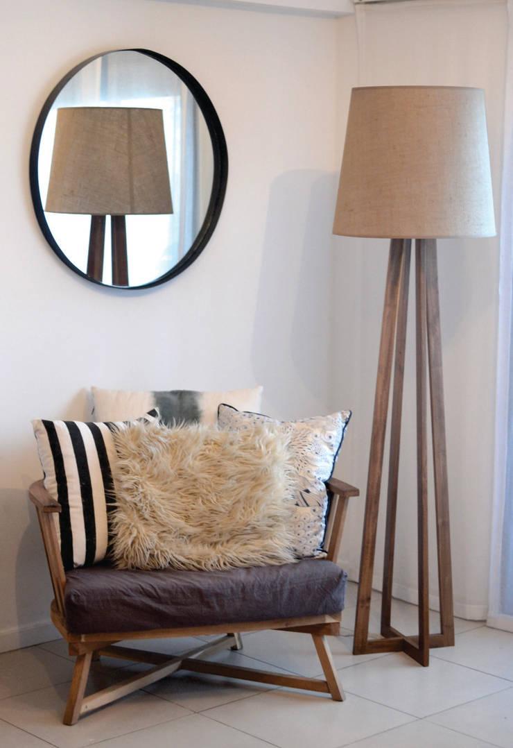 Lámparas para el living y la oficina:  de estilo  por Gabriela  García